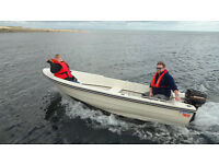 13ft Fast fishing boat, 7.5hp Mercury and trailer