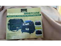 COLORADO SOFT EXPANDABLE BRIEFCASE BLACK NEW AND BOXED UNISEX