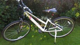 excellent Apollo Endeavour Ladies Hybrid Bike aluminium frame 700c wheels