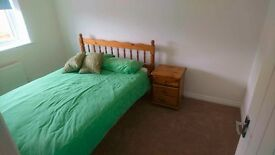 Double room close to A14 (own bathroom!)