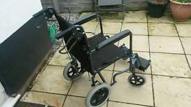 (*Wheelchair*) Lightweight & foldable