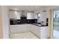 Wonderful 3/4 bedrooms house with a large garden and front driveway in Romford RM7