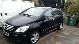 2009 Mercedes Benz B class Black; beige leather inside