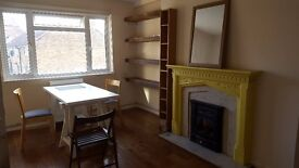 2 Bed Spacious apartment near Hoxton/Old Street