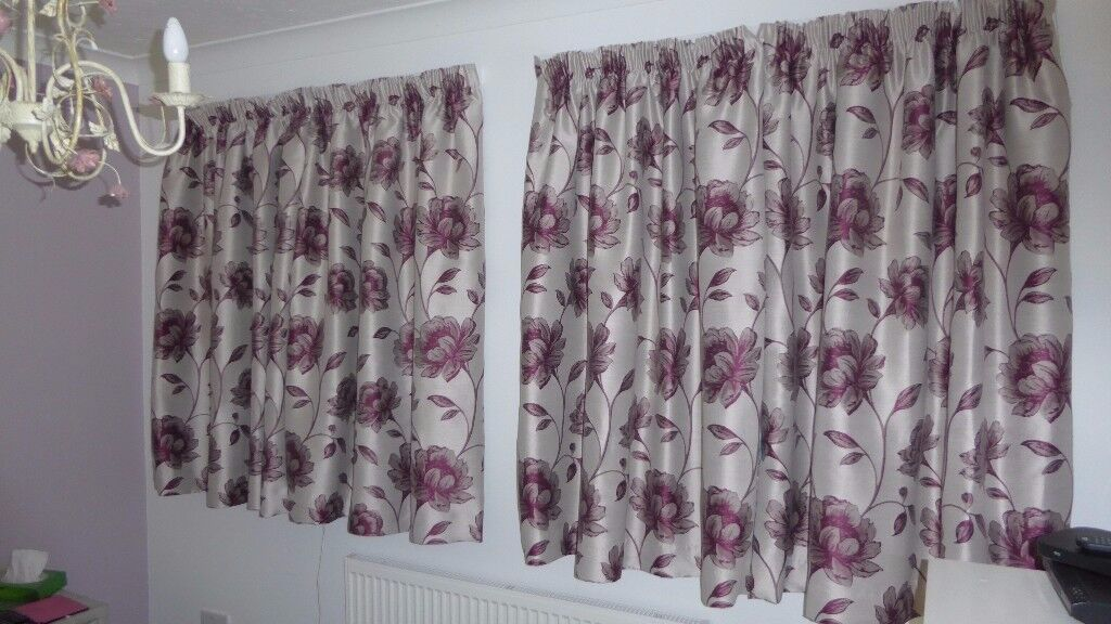 3 pairs of floral patterned curtains