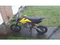 m2r Oilcooled 140cc pitbike clean little bike starts first kick