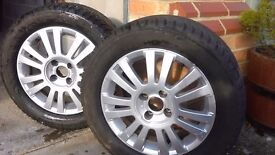 A pair of alloy wheels: 6.5Jx16CH4-26 with tyres: 215/55/R16