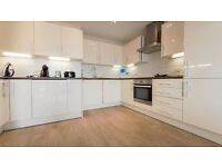 **2 BED FLAT** NEWLY REFURBISHED!! GROUND FLOOR!! PRIVATE GARDEN!! SHEPHERDS BUSH, WHITE CITY, W12!!