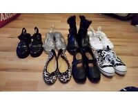Mixture of womens shoes 3.00 each