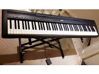 Yamaha P85 Digital Stage Piano (Black) - Good working order