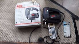 **SKIL**JIGSAW**ONLY £20**COMES WITH EXTRA BLADES**BARGAIN**