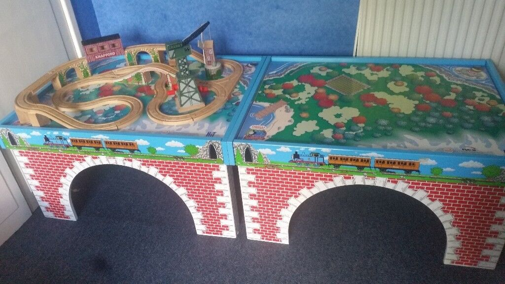 Bulit in track thomas £120/thomas table£70