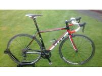 SUPERB IMMACULATE CONDITION / FULLY SERVICED 2015 CUBE PELOTON RACE ( SHIMANO 105 )