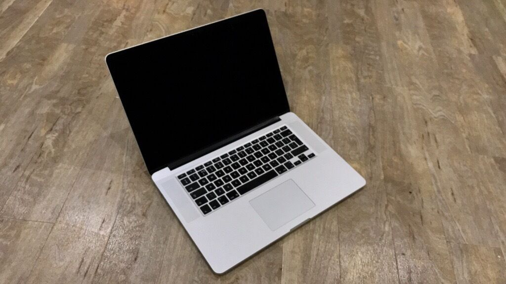 "Macbook Pro 15"" w/Retina Display 