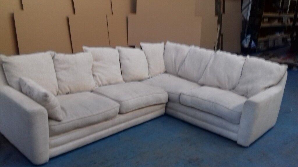 Astounding Large Comfy Cream Fabric Corner Sofa In Sandwell West Midlands Gumtree Spiritservingveterans Wood Chair Design Ideas Spiritservingveteransorg