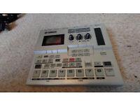 Yamaha SU200 digital sampler - oldschool