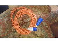 Electric hookup lead