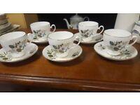 Set Of 5 Vintage Cups & Saucers £5