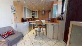 3 bedroom flat in Custance House, Provost Estate, London N1