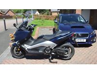 YAMAHA TMAX DX - low mileage, as new. Private sale.