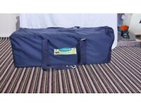 Travel cot in a very good condition very little use