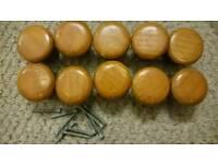 10 Wooden knobs
