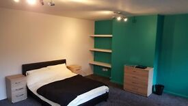 Large double room, no deposits, newly refurbished all bills inclusive 152mb+ wifi