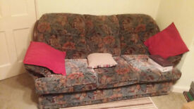 NICE SOFA AND CHAIRS GOOD CONDITION