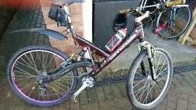 Cannondale Super V700 mountain bike