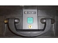 delsey suitcase pair with keys