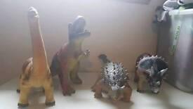 4 Large dinosaurs