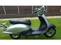 2010 125cc. Read the notes before calling me thanks. Can deliver