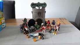 Duplo castle & figures