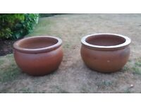 Two large terracotta pots