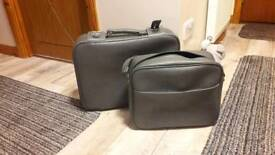 SMALL CASE & HOLDALL