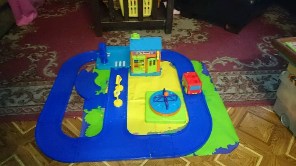 School n car track