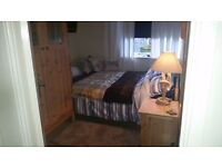 Lovely room in Heavitree Exeter for a lodger to rent FULL TIME or Mon - Fri preferred.