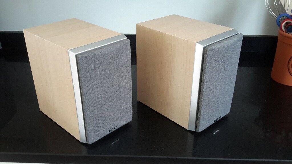 Hitachi 30 Watt 8 Ohm Bookshelf Speakers