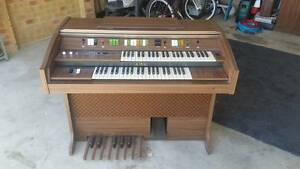 Electric Organ Wyndham Vale Wyndham Area Preview