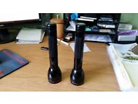 """2 x Mag-Lite Torches. 9"""" Long working with battieries"""