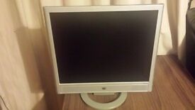 "HP vs17x monitor 17"" in great condition!"