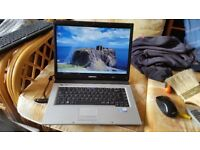 Samsung r40plus windows 7 150g hard drive 3g memory wifi dvd drive new charger