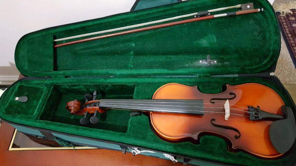 Antoni Debut 3/4 Violin with bow and case