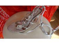 ladies strappy sandal