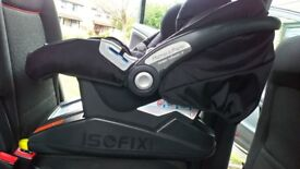 Isofix base and Mamas & Papas Primo Viaggio IP car seat for sale