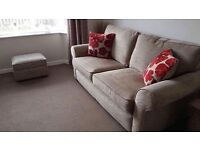 Lovely 3 piece sofa suite