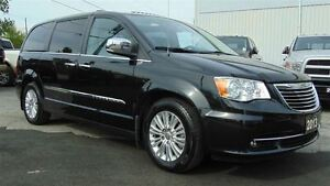 2013 Chrysler Town & Country LIMITED - EVERY OPTION - CLEAN CARP