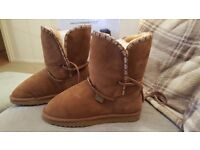 NEW just sheepskin ugg boots size 6