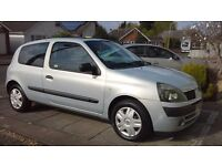 RENAULT CLIO 1.2 2003 FULL SERVICE HISTORY 2 KEEPERS FROM NEW