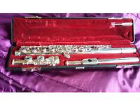 Yamaha Flute YFL-411 vgc with case